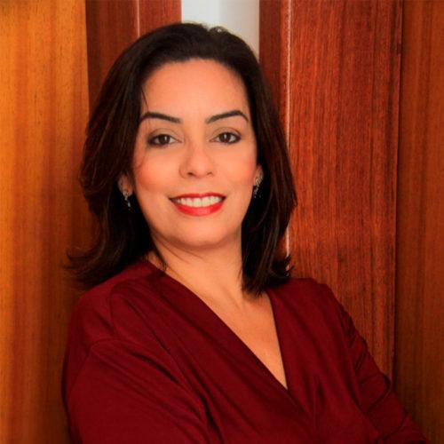 Cláudia Lemos